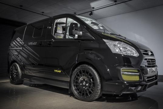 Ford Transit tem visual mais elegante e esportivo