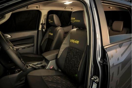 Interior da Ranger também customizado