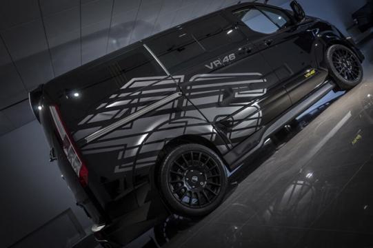 Van tem novos gráficos da customizadora de Valentino Rossi