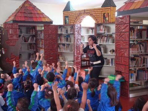 Atividades culturais e mundo de conto de fadas na Biblioteca Hans Christian Andersen