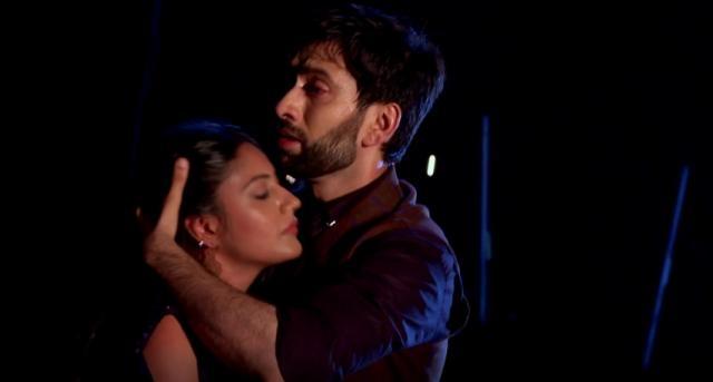 Shivaay saves Anika (Ishqbaaz Youtube screengrab)