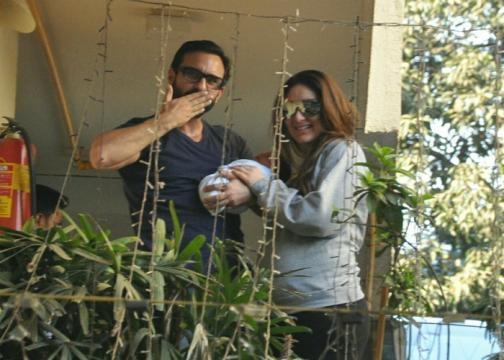 Kareena and Saif Alia Khan (Panasiabiz.com)
