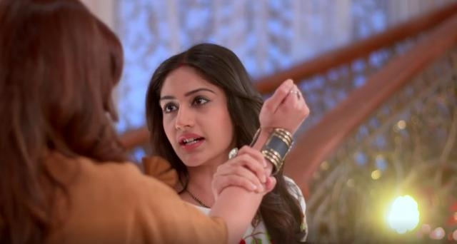 Anika and Tia confront in 'Ishqbaaz' (Youtube screen grab)