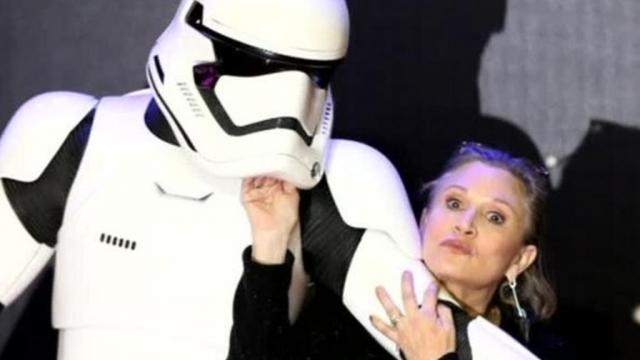 Star Wars fans wish Carrie Fisher a speedy recovery after she ... - mirror.co.uk
