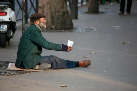 Why It's Better To Give The Homeless Gift Cards - theodysseyonline.com