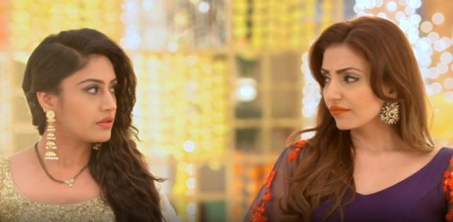 Anika and Tia in Ishqbaaaz (Youtube screen grab)