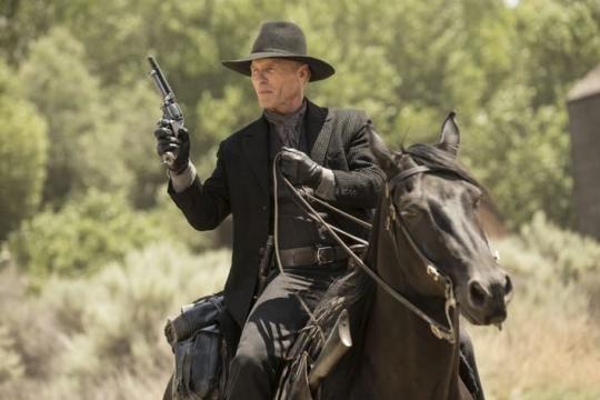 Ed Harris en el papel del misterioso Hombre de Negro en Westworld