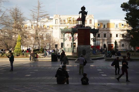Presidencia Municipal de la capital chihuahuense y efigie de su fundador Antonio Deza y Uloa.