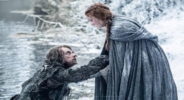 Sansa y Theon tras escapar de Invernalia