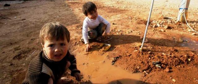 Bambini siriani in un campo profughi