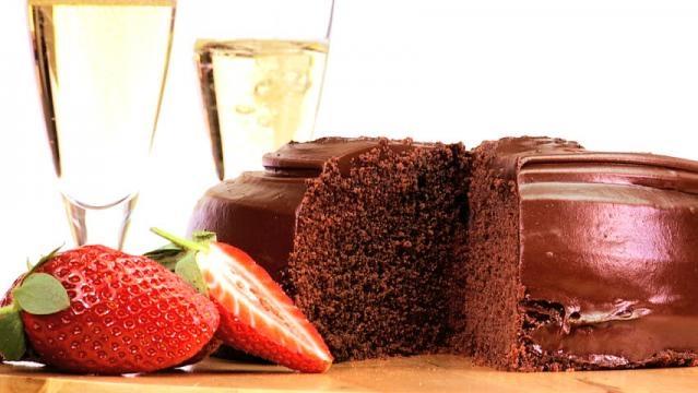 Chocolate Cake and Brachetto (Libiamo)