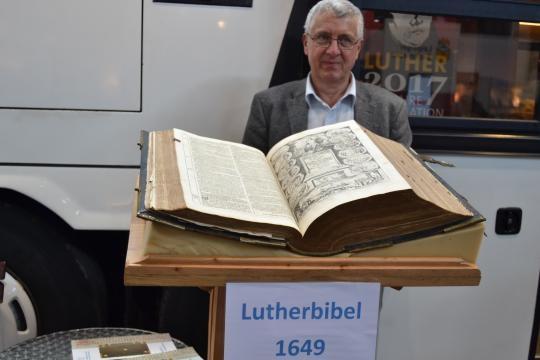 367 Jahre alt: die Lutherbibel von 1649