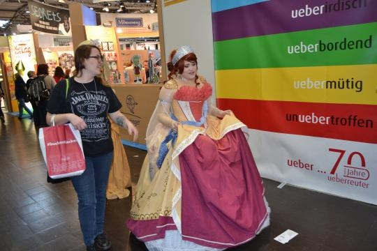 Manga-Prinzessin eilt zur Manga-Comic-Con