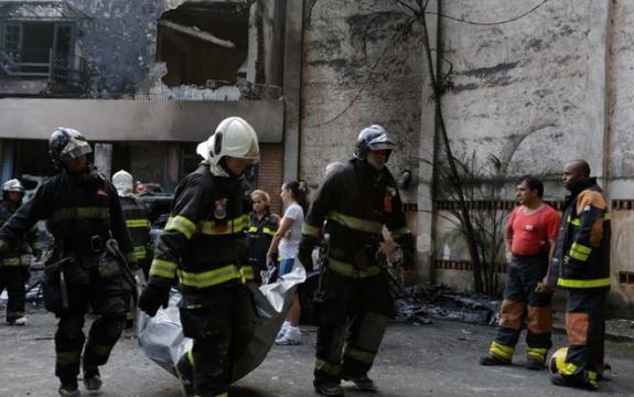 Queda de avião em SP deixa 7 mortos