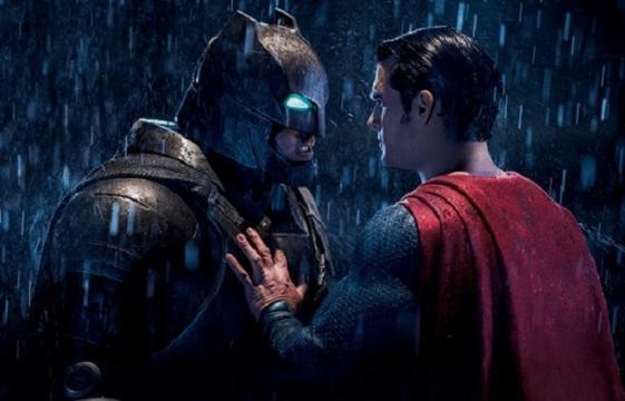 'Batman v Superman': Flash aparecerá en el film