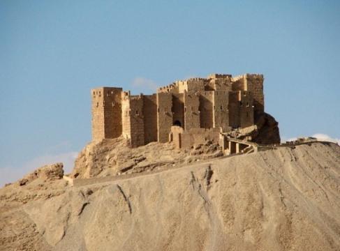 Il castello arabo di Palmira, prossimo obiettivo