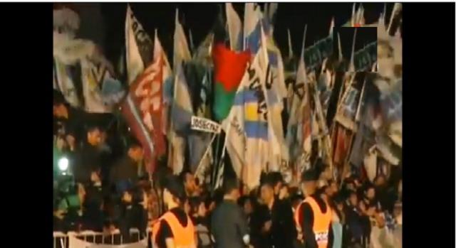 La militancia esperó a CFK en Ezeiza Afpp