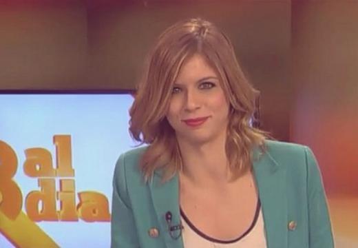 Nuria Casas é uma jornalista catalã do canal 8TV.