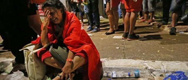 Militante lamenta derrota Foto: Fabio Rodrigues-Pozzebom/Agência Brasil