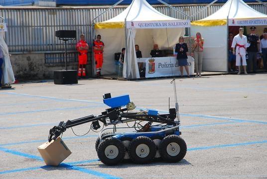 Il robot artificiere in una recente dimostrazione