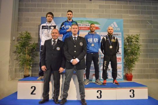 Daniele Fasciani (ultimo a destra) bronzo sul podio