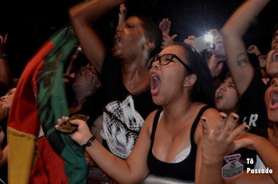 Fãs da Fresno cantaram músicas em coro. Foto: Tadeu Goulart