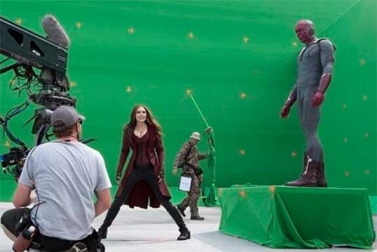 Visión, Scarlet Witch, Hawkeye y Black Widow son sus principales atractivos