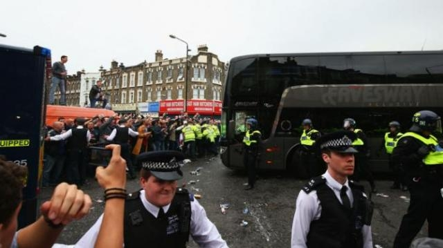 Riot police struggle to maintain order as Manchester United bus arrives at Upton Park (picture by Ed Lodger)