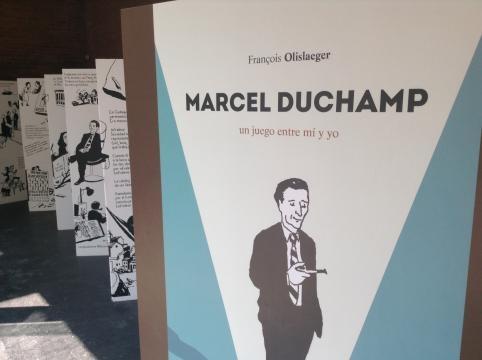 El comic de tamaño natural de Françoise Olilaeger que narra la vida de Duchamp