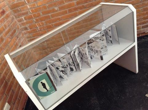La versión convencional del impreso donde se narra la vida de Duchamp