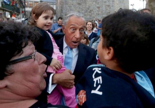 Presidente da República, Marcelo Rebelo de Sousa, com as crianças.