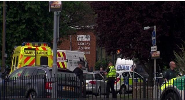 Jo Cox fue atacada frente a una biblioteca cerca de Leeds Euro News