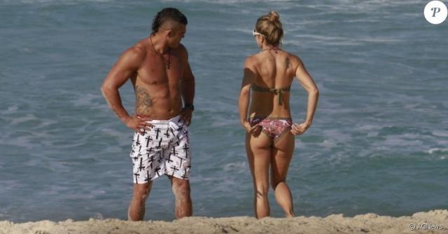 Em 2013, Joana mostrou sua forma física de biquíni na praia junto com seu esposo Vitor Belfort.