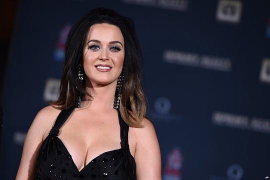 Katy Perry podría sorprender con su cuarto disco