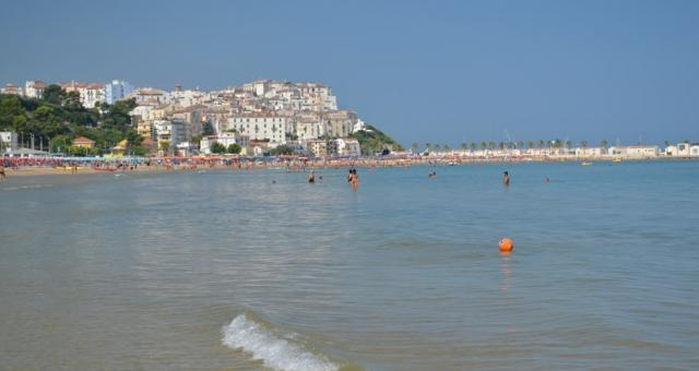 Una vista della città di Rodi dalla Riviera di Levante
