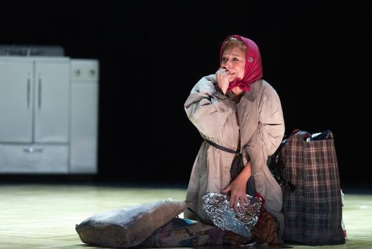 Patricia Schuman as Beggar Woman, previously known as Mrs. Lisa Barker, now insane. Photo: Karli Cadel, courtesy of The Glimmerglass Festival.