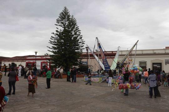 Plaza cívica de San Cristobal y montaje lúdico para los niños