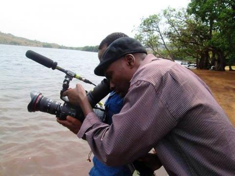 Pierre Loti Simo sur un plateau de tournage