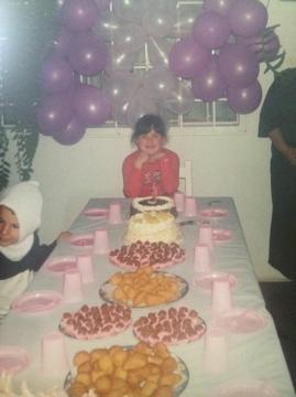 As festas eram sempre muito decoradas e as mesas fartas nos anos 80 e 90