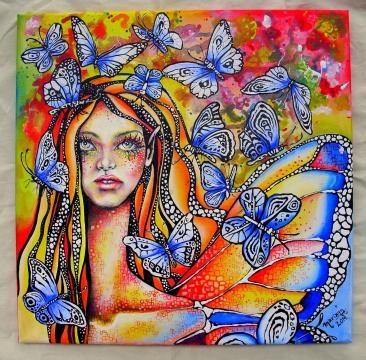 Obras multicolor que se funden con elementos de la Naturaleza