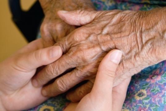 In Campania un anziano su quattro vittima di abusi, due terzi ... - ilmattino.it