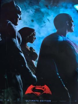 Prensentan nuevo wallpaper de la versión extendida de 'Batman v Superman' en la ComicCon