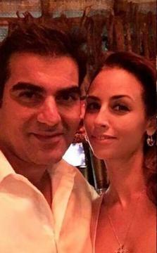 Arbaaz Khan with a mystery girl friend in Goa (Twitter)