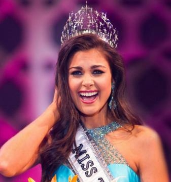 The crowning of Miss Teen USA 2015 Katherine Haik. (c) Miss Universe Organization. Used by permission.