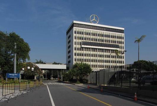 Mercedes-Benz envia telegramas com aviso de demissão