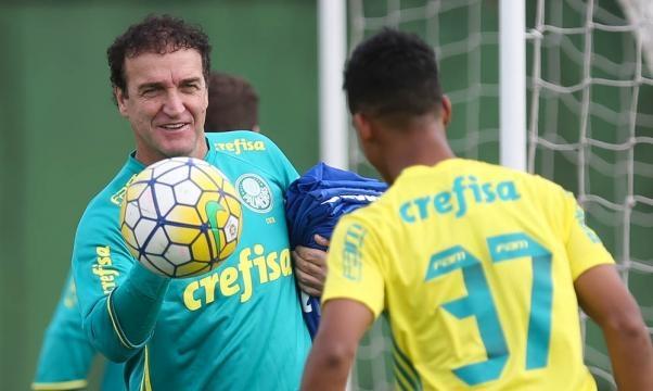 Palmeiras consegue efeito suspensivo, e Cuca comanda o time contra ... - globo.com