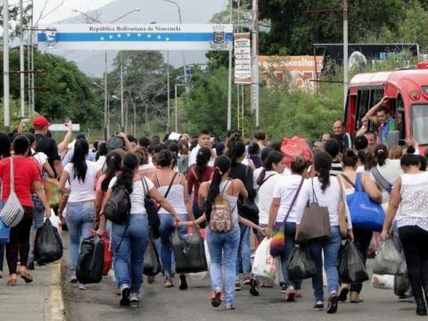 Por 12 horas se abrirá paso peatonal en la frontera entre