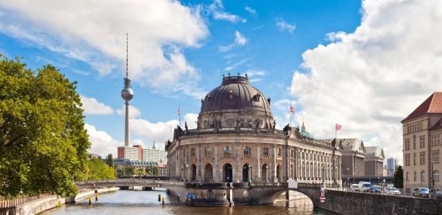 Learn German in Berlin Germany - Alpadia German Language Courses - alpadia.com