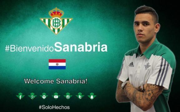 El joven ariete paraguayo Tonny Sanabria tras su temporada cedido en el Sporting, vuelve a la liga, en este caso al Betis de Poyet
