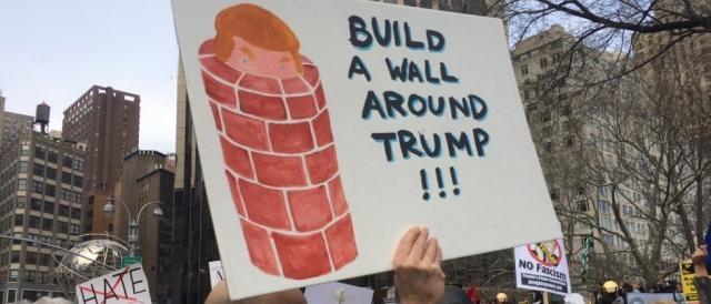 USA: una delle numerose proteste anti-Trump